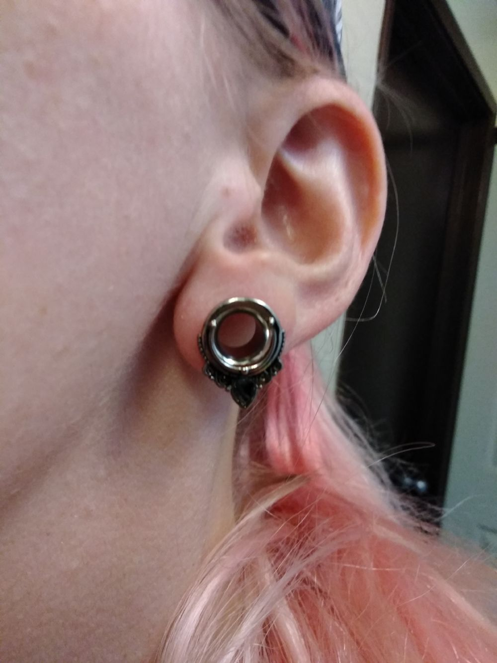 0g  Steel (pair) Abalone Filigree Eyelets -- Photo # 84298