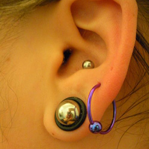 "Titanium captive bead ring 16g 5/8"" Blurple"
