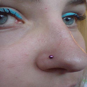 Micro nostril stud 18g  purple -- Photo # 3384