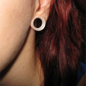 "Silicone earskin (White pearl)  9/16""  (5/16"" wearable)"