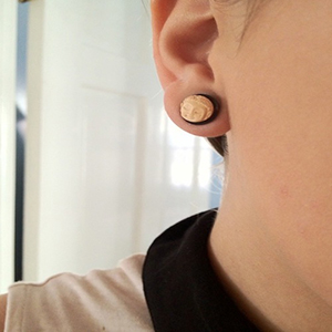 Black horn plugs with bone Buddha face inlays 00g/10mm  (pair) -- Photo # 40445