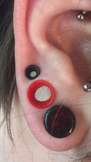 """2g  Red (1/4"""" wearable) Silicone Earskin (1/4 and 3/8 Wearables) -- Photo # 81542"""