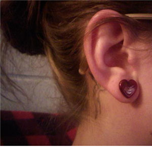 0g  Red (pair) -- Photo # 18955