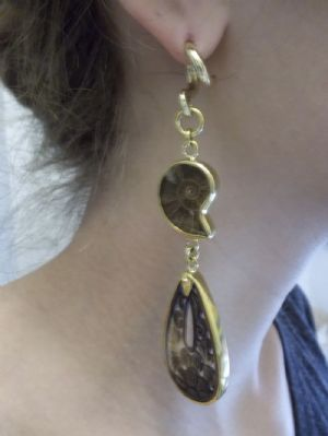 8g Solid brass and black mother of pearl teardrop weights