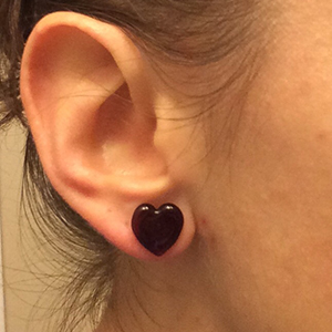Heart shaped front glass plugs 0g  Red (pair) -- Photo # 70027