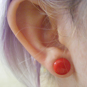 Single flare Opaque red colored pyrex plugs 0g  (pair)