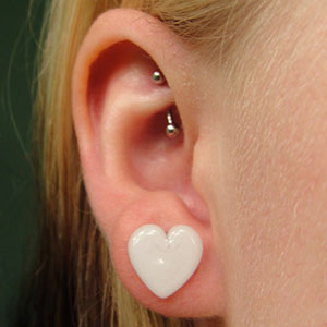 Heart shaped front glass plugs 00g/9mm  White (pair)