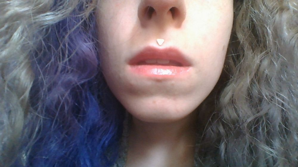 16g Triangle End Labret