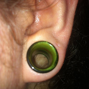 "9/16""  SF green glass eyelets (pair) -- Photo # 53981"