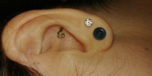8g  Translucent sparkle blue (pair) -- Photo # 80235