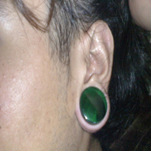 10g  Titanium flesh tunnel (rainbow)(SINGLE) -- Photo # 46469