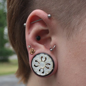"1""  Horn cathedral eyelets (pair)(mismatched/chipped wearable/flare) -- Photo # 53363"